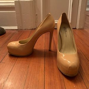 Cream Tan Kelsi Dagger Patent Leather Pumps